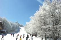 In Appennino nel weekend si scia con skipass scontati: impianti aperti a Cimone, Corno e in Romagna