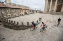 Il freelance inglese Mark Bailey in Emilia Romagna a scoprire in anteprima gli itinerari del Giro d'Italia e la Granfondo Nove Colli